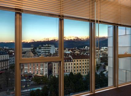 Grenoble Ecole de Management étaye son offre de services corporate